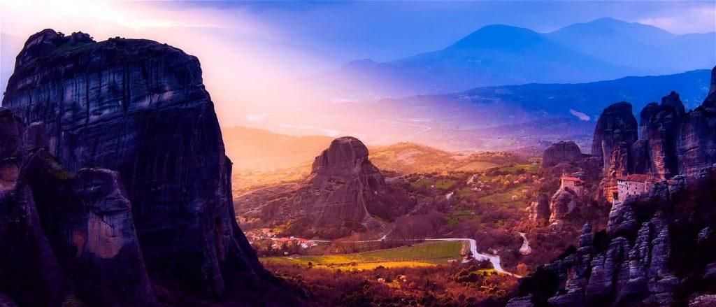 Meteora rocks - Meteora tours - Tours in Meteora monasteries Greece - Greek Travel Packages - Travel to Meteora Greece - Tours in Greece - Travel Agency in Greece